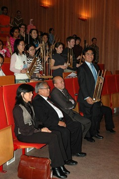 The audiences... learning how to play angklung